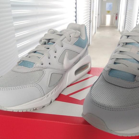 Nike Air Max IVO. New. Women's sizes: 6 thru 9.5. NWT